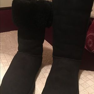 UGG Shoes - In excellent condition tall UGG boots
